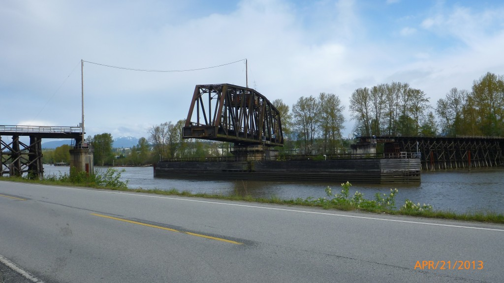 Turning bridge along River Road heading to Alex Fraser bridge