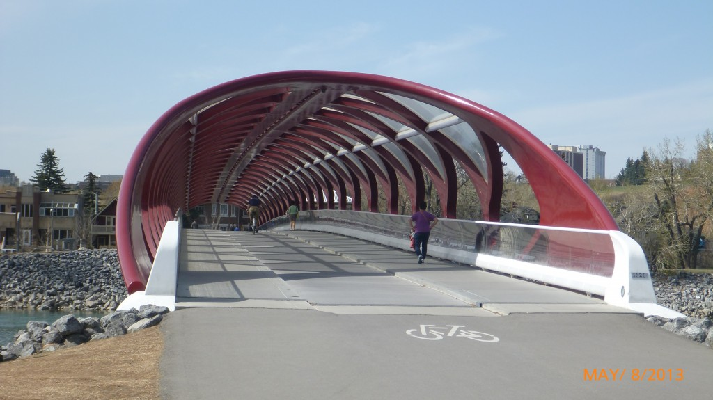 One of the many, many, many pedestrian and cyclsts paths/bridges in Calgary