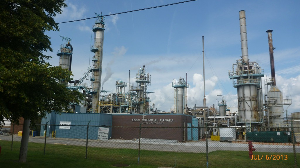 Another pic of the Sarnia petrol industry