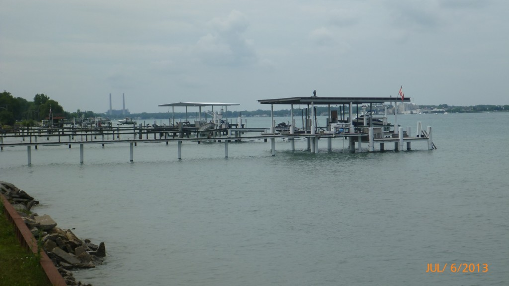 The majority of the homes had docks.  Some of the docks were pretty spiffed up with BBQ's & roofs