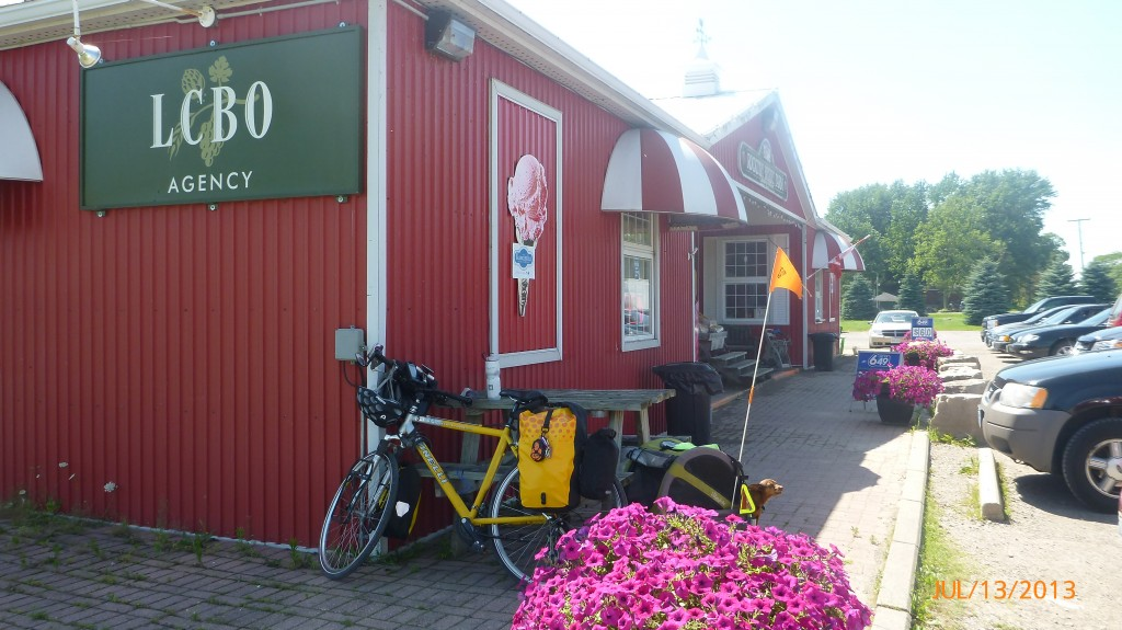 Fruit stand and market in Rockton (I passed on the LCBO this time)