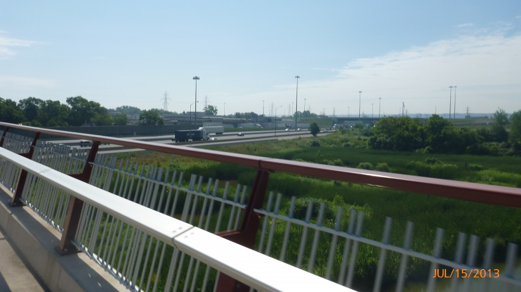 Pedestrian/cycling path over the QEW
