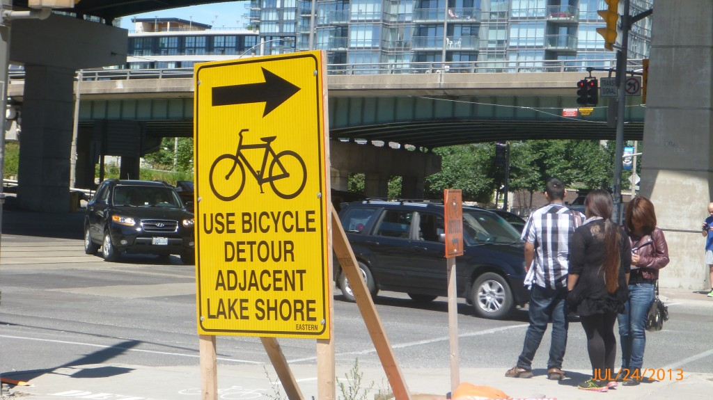 Bicycle specific detour signage - very easy to navigate!