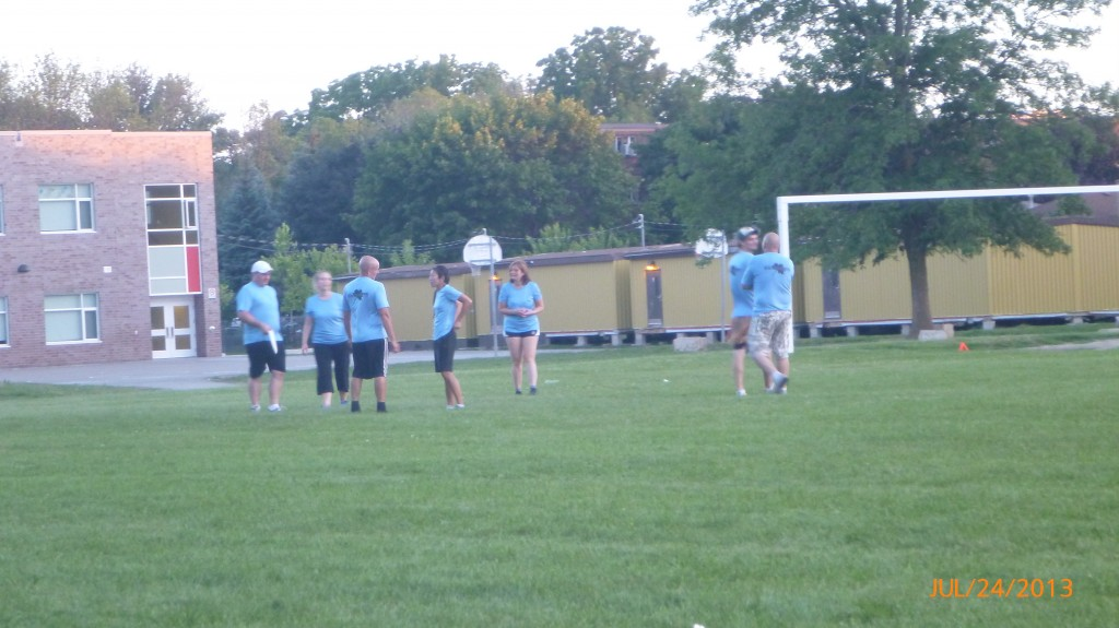 Ian and Andrea's frisbee game