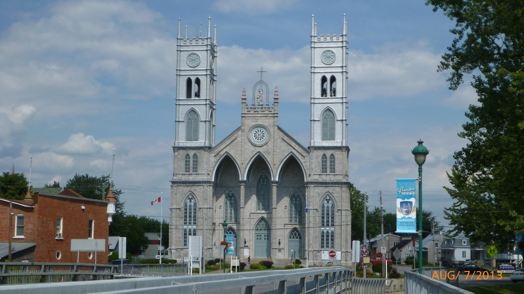 This church was a pretty impressive view as you see it as you cross a bridge into the town of Sainte-Anne-de-la-Perade