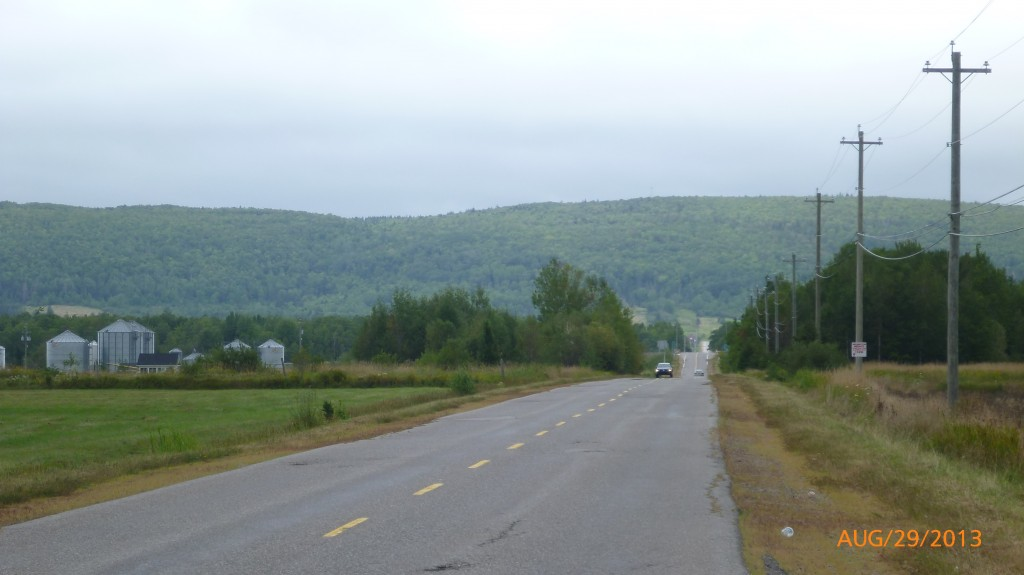 Driving along Annapolis Valley - view to the south